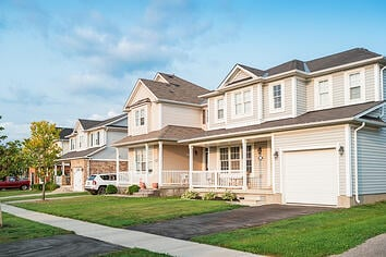 Pros and Cons of an HOA