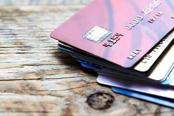 Comparing Debit & Credit Cards